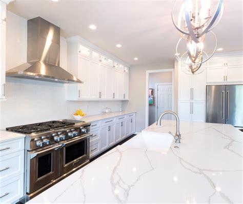 ultracraft kitchen cabinets ultracraft arctic white breckenridge