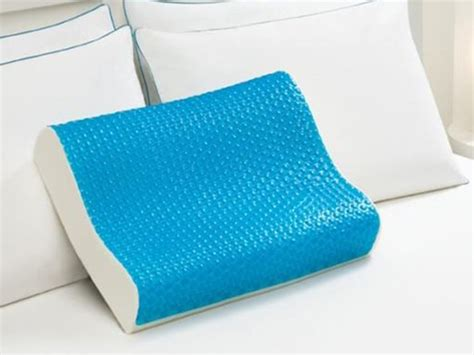 comfort revolution memory foam cooling pillow comfort revolution cool comfort hydraluxe gel memory