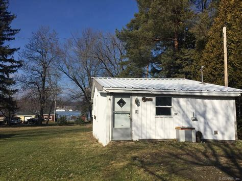 Silver Lake Ny Cottages For Sale by New York Waterfront Property In Geneseo Conesus Lake