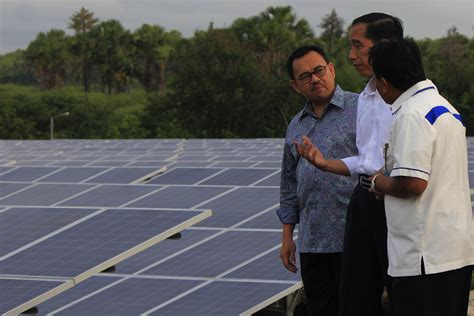 Panel Surya 2000 Watt jejak pembangkit listrik tenaga surya di indonesia