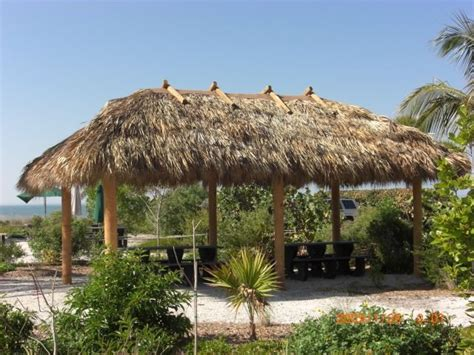 Tiki Hut Rethatch 73 Best Images About Repair Rethatch Tiki Huts On
