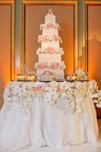fabulous wedding cake table ideas using flowers