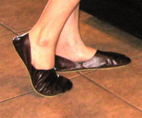 diy smelly shoes 1000 ideas about shoes on smelly