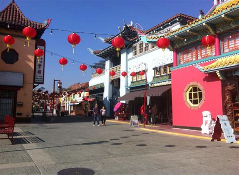 new year in los angeles chinatown chinatown la the friendliest place in los angeles