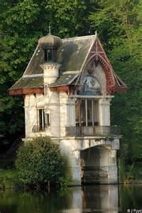 fancy boat house manteresting