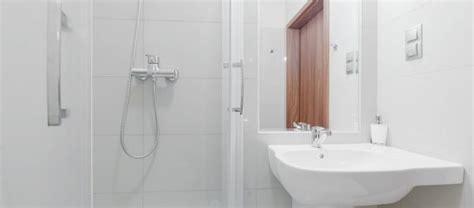 Kleines Badezimmer Spiegel by Kleines Bad Einrichten Mehr Platz Mit Dusche Zum