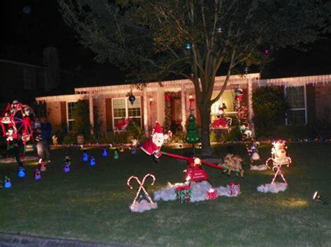 backyard contest christmas yard contest