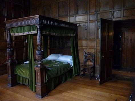 slytherin themed bedroom beds slytherin and harry potter on pinterest