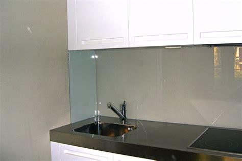 rivestimento cucina vetro resina con decori parete cucina