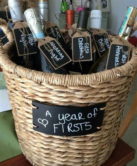 25  best ideas about Newlywed Gifts on Pinterest   Modern
