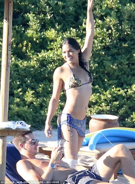 sculpted pubes michelle rodriguez displays her sculpted physique on a