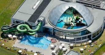 schwimmbad aqua park erlebnisbad aquapark oberhausen