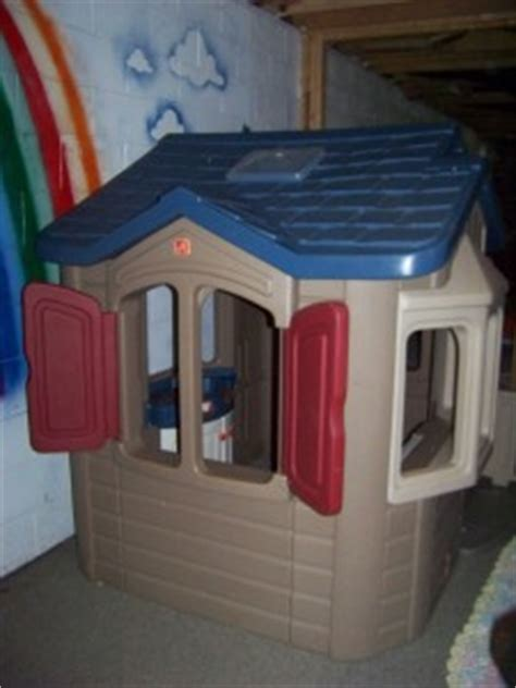 step 2 naturally playful welcome home playhouse used