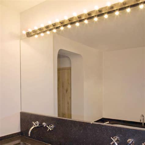 messing badezimmerspiegel baron theaterspiegel leuchten leiste aus messing casa lumi