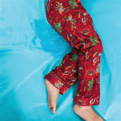 my 8 year old pees her pants during the day child how to help kids stop wetting the bed parenting