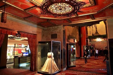 theater lobby design  theater lobby graumans
