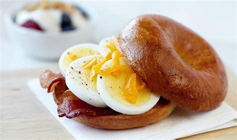 r eggs carbohydrates microwave egg bacon cheddar bagel egg