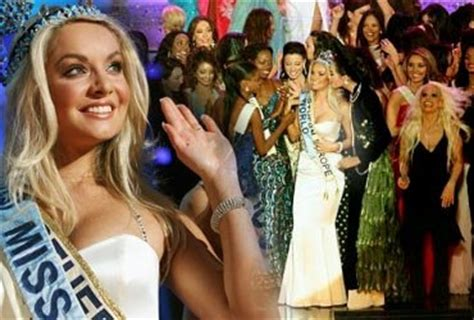 Tatana Kucharova Miss Crowned Miss World 2006 Pageant 2 by Miss World 2006 Tatana Kucharova