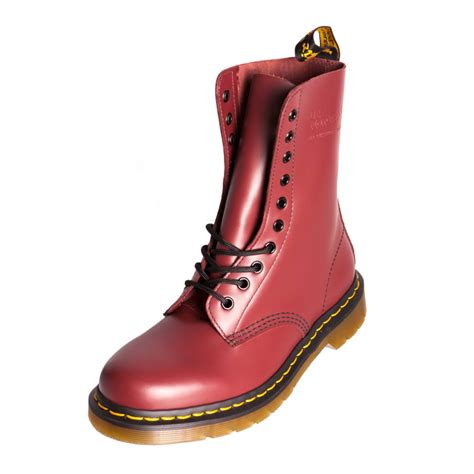 dr doc martens 1490 classic cherry leather boot