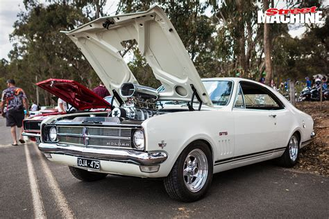 day holden and castlemaine rod shop open day 2017 machine