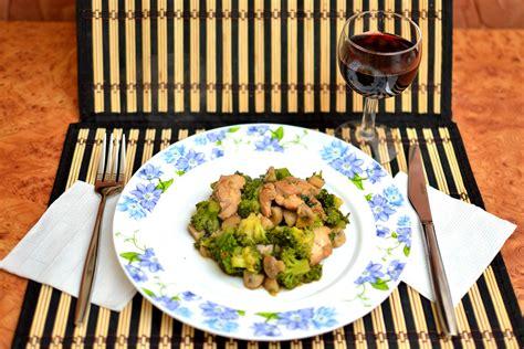 vari modi per cucinare il petto di pollo 3 modi per saltare in padella pollo e verdure wikihow