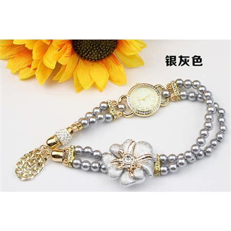 Jam Tangan Wanita Fashion Stylis Vintage Bracelet White fashion stylis pearl bracelet quartz white