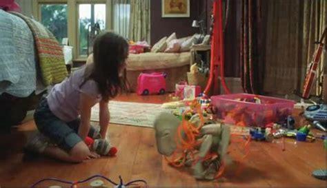 Rabbit Top 39312 trailer originale alieni in soffitta 2009 filmtv it