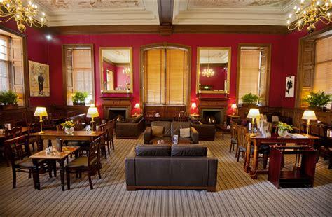 edinburgh s best whisky bars bars pubs time out