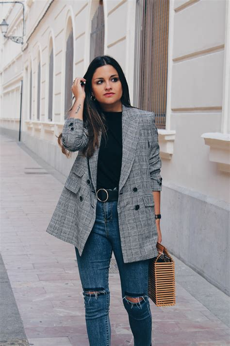 fall easy outfit wearing prince  wales plaid blazer
