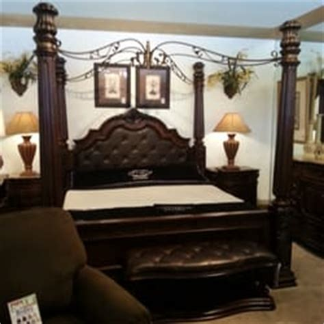 ls at rooms to go rooms to go 14 reviews furniture stores 2253