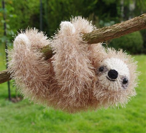 knitted sloth tinsel sloth knitting pattern by fiona goble