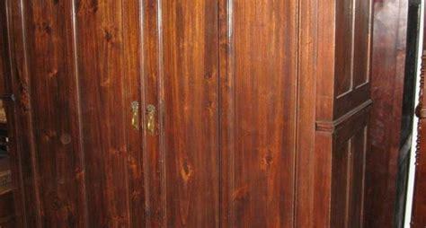 come restaurare un armadio armadio vecchio la manutenzione rinnovare armadio vecchio