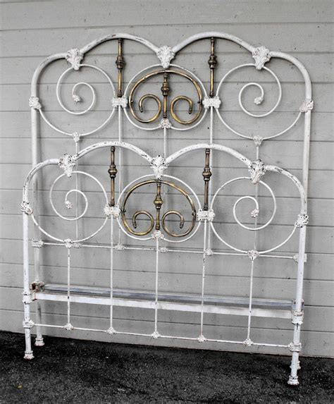 Antique Metal Bed Frame Antique Iron Bed 12 Cathouse Antique Iron Beds