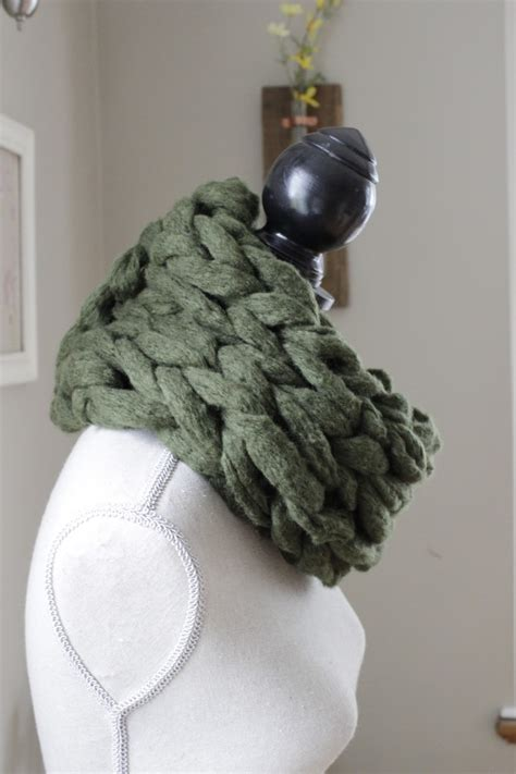How To Make An Infinity Scarf With Yarn Arm Knitting Scarf Patterns A Knitting