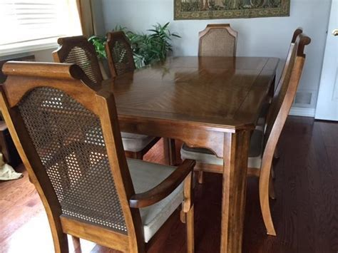 Captain Chairs For Dining Room Dining Room Table 6 Chairs 2 Are Captain S Chair Nepean Ottawa