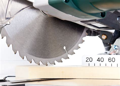 how long is a twelve inch saw in bob how wide cuts you can make with 10 inch miter saw