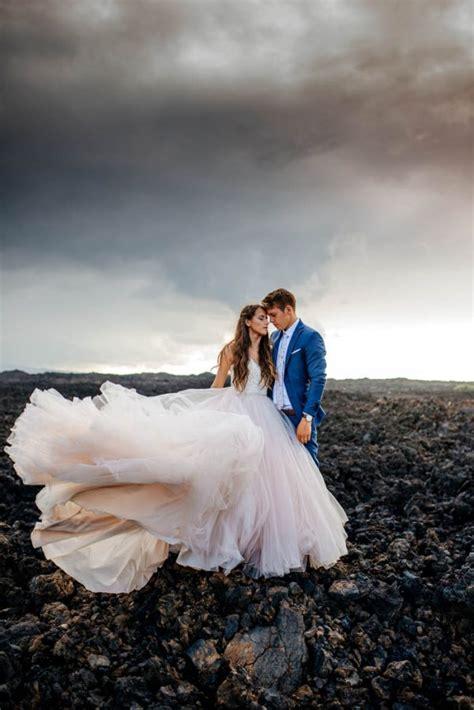 rugged hawaiian wedding photos on the big island junebug - Wedding On The