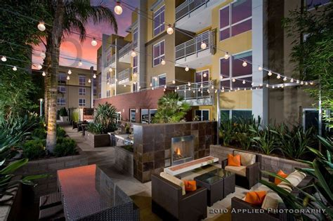 apartment courtyard ascent courtyard woodland hills ca courtyards pinterest