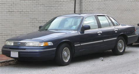 how petrol cars work 1994 ford crown victoria on board diagnostic system file 1993 1994 ford crown victoria 01 28 2010 jpg wikimedia commons