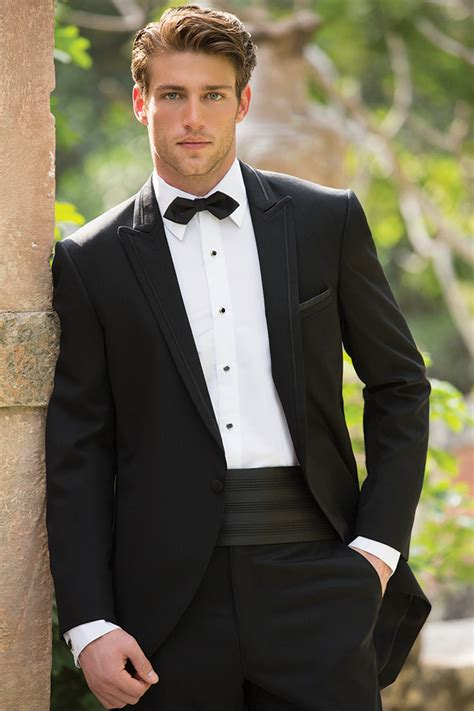 current popular styles for tuxedos coordinated style for grooms and groomsmen by allure men