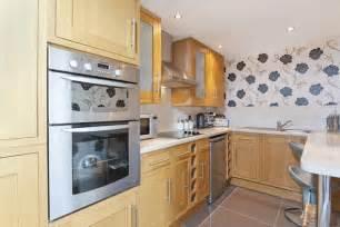 feature wallpaper kitchen 2017 grasscloth wallpaper - black white wallpaper look kitchen cabinets interior design ideas