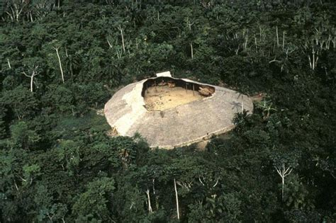 yanomami shabono communal dwelling dwellings communal living around a void the shabonos dwellings of