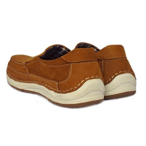 mens tan boat shoes chatham marine marshall tan men s slip on boat shoe