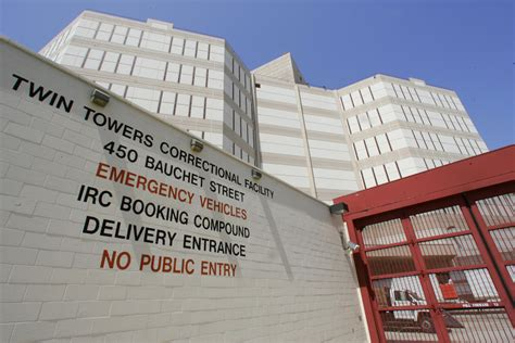 La County Arrest Records Suicidal La Inmate Later Found Dead Was Left Alone For Hours 89 3 Kpcc