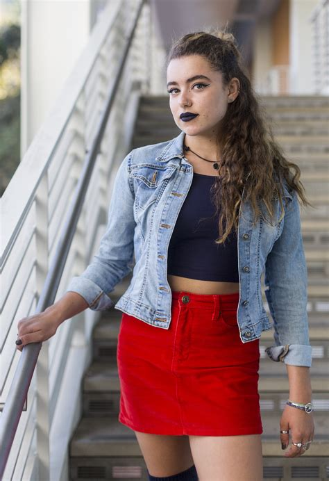 stacks hairstlye from the 90s ucla students find nostalgia in casual edgy 90s fashion