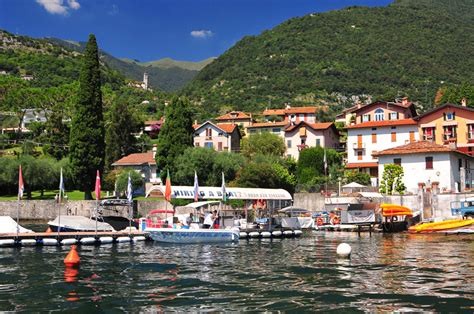 boat rental on lake como hiring a boat on lake como location de bateaux sans