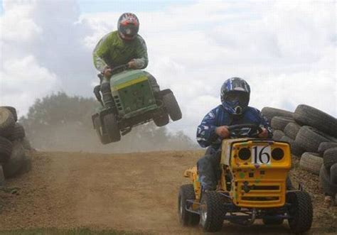 lawnmower racing damn cool pictures