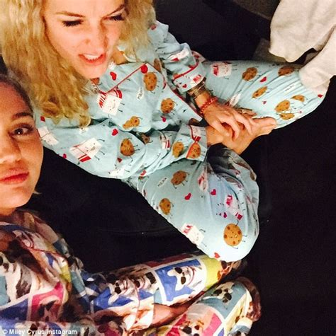 miley cyrus shares selfies from her at home pering miley cyrus shares selfies from her at home pering