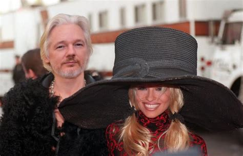 todays blind items the falling out crazy days and nights did julian assange and pamela anderson do it