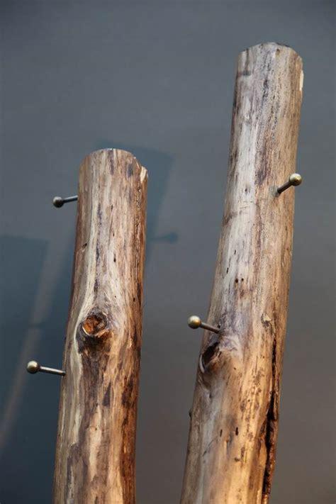 Baumstamm Als Garderobe by Baumstamm Garderobe Mit Einem Stahlst 228 Nder